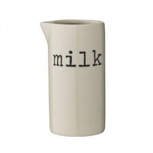 i6478-21100225-josephine-pichet-a-lait