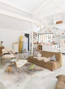 Chez-constance-et-dorian-biarritz-interieur-bois-blanc