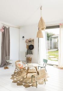 Chez-constance-et-dorian-biarritz-interieur-bois-blanc10
