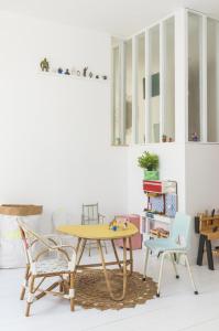 Chez-constance-et-dorian-biarritz-interieur-bois-blanc13