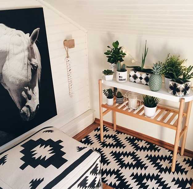 ikea mon ami. Black Bedroom Furniture Sets. Home Design Ideas